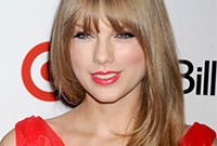 Taylor-swifts-hair-then-and-now-side